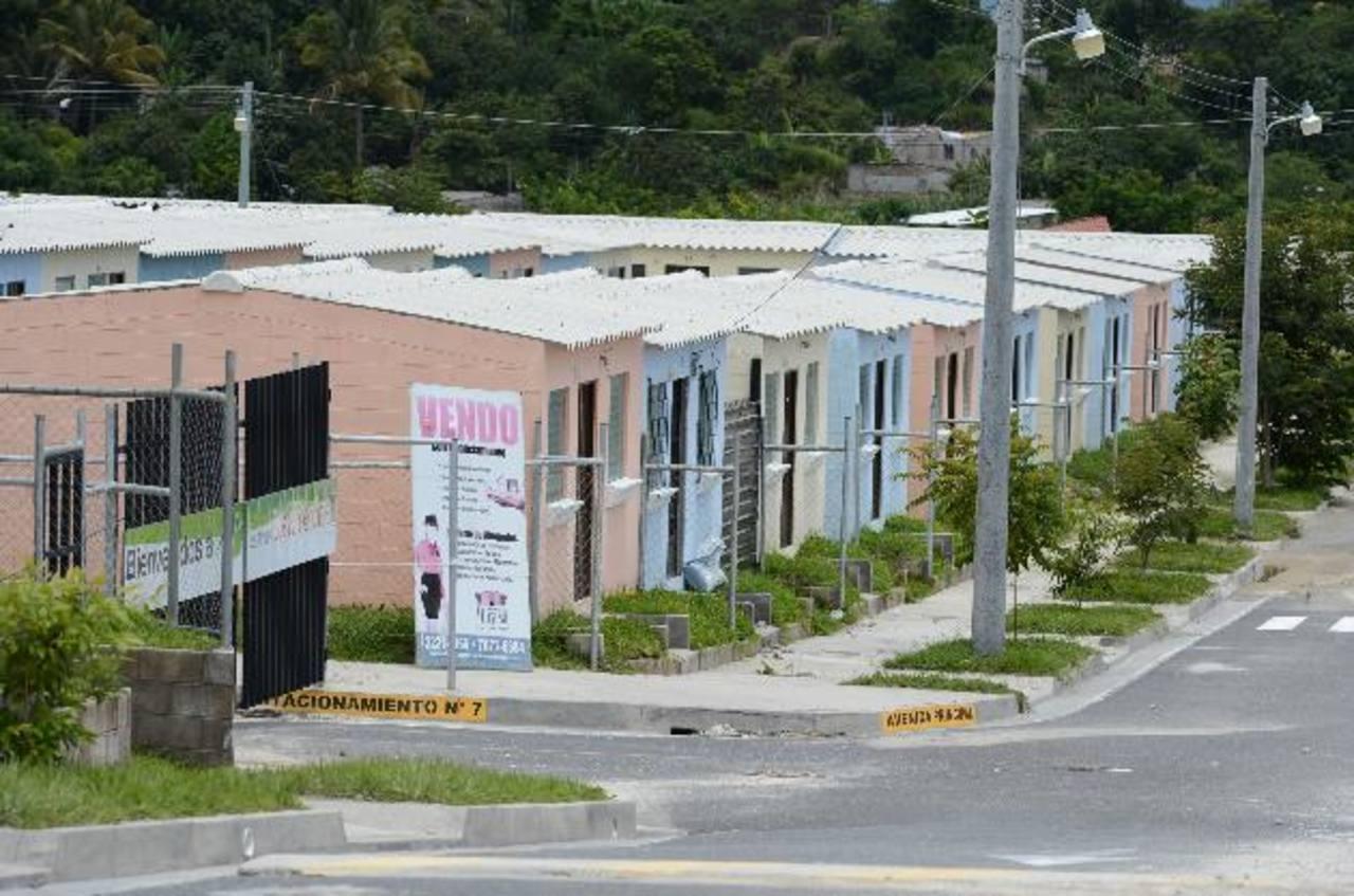Aún hay muchas viviendas del plan Casa para Todos sin vender. Foto EDH