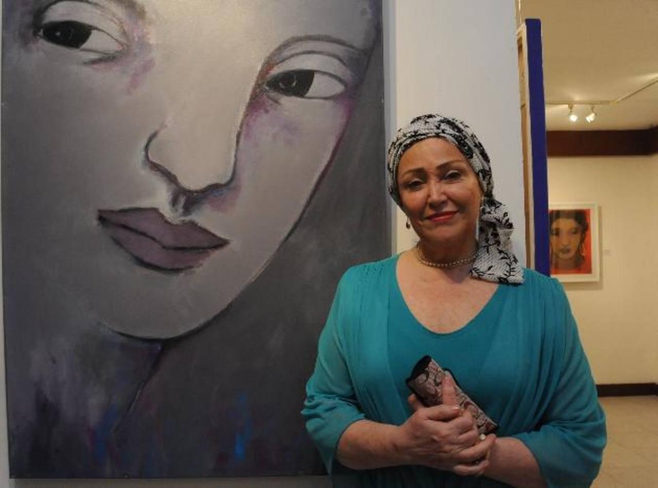 La artista Eddy Galvis durante la inauguración de la muestra. Foto EDH/ Lissette Monterrosa