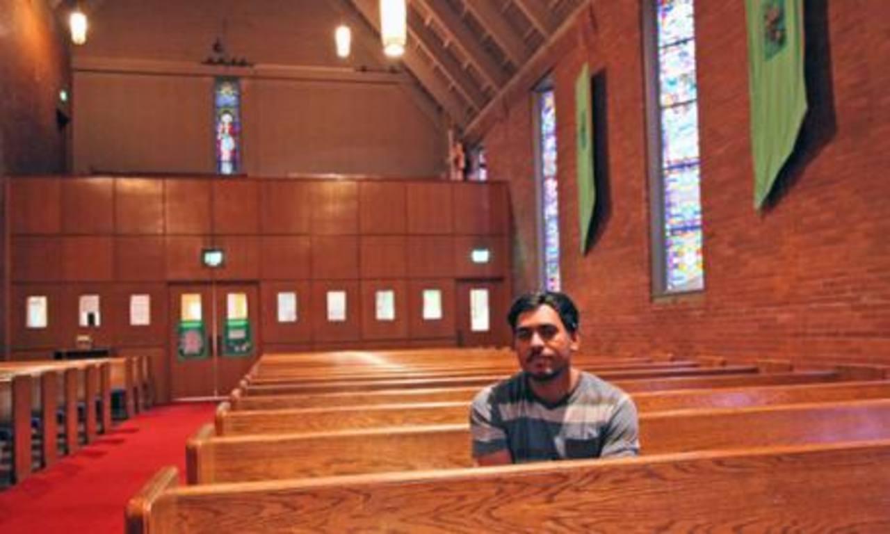 Liberan a migrante salvadoreño que se refugió en iglesia de Oregon