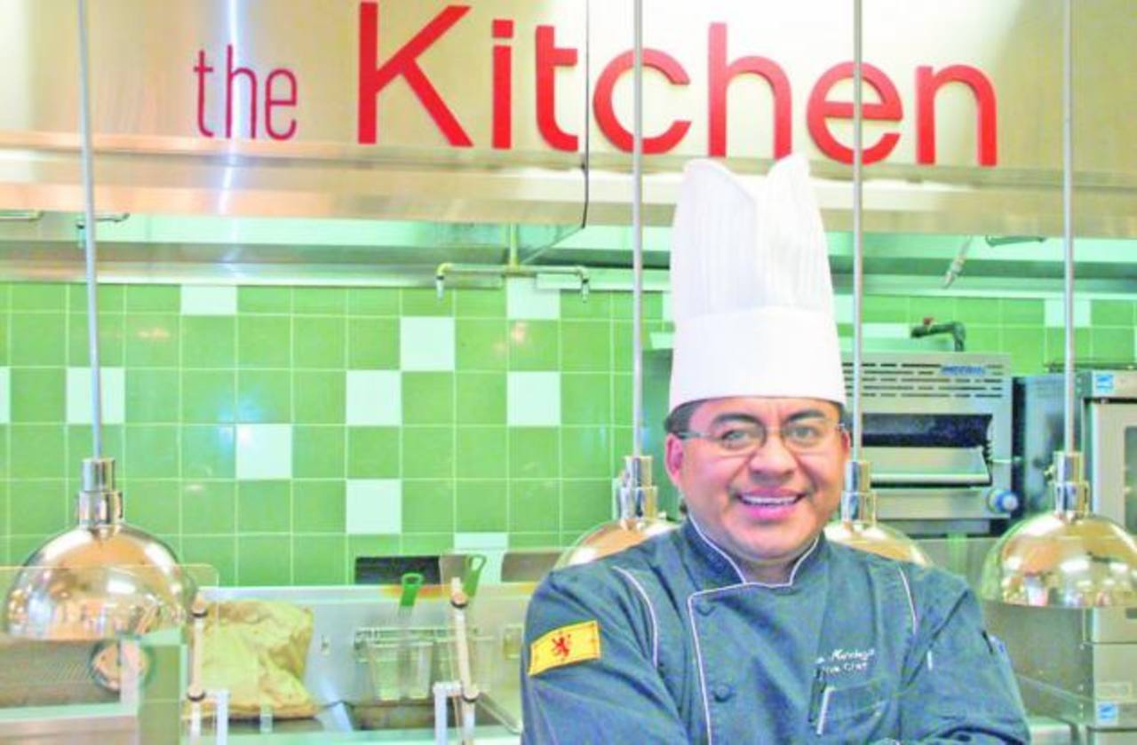Roberto Mendoza es reconocido internacionalmente por cocinar para distintas personalidades en Estados Unidos. foto edh