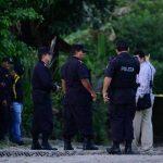 Escena donde ayer murieron cinco personas, en la colonia San Martín de Porres, en Apopa. Fotos EDH /Marvin Recinos.