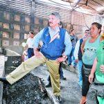 Quijano verifica locales temporales para ventas de excine Avenida