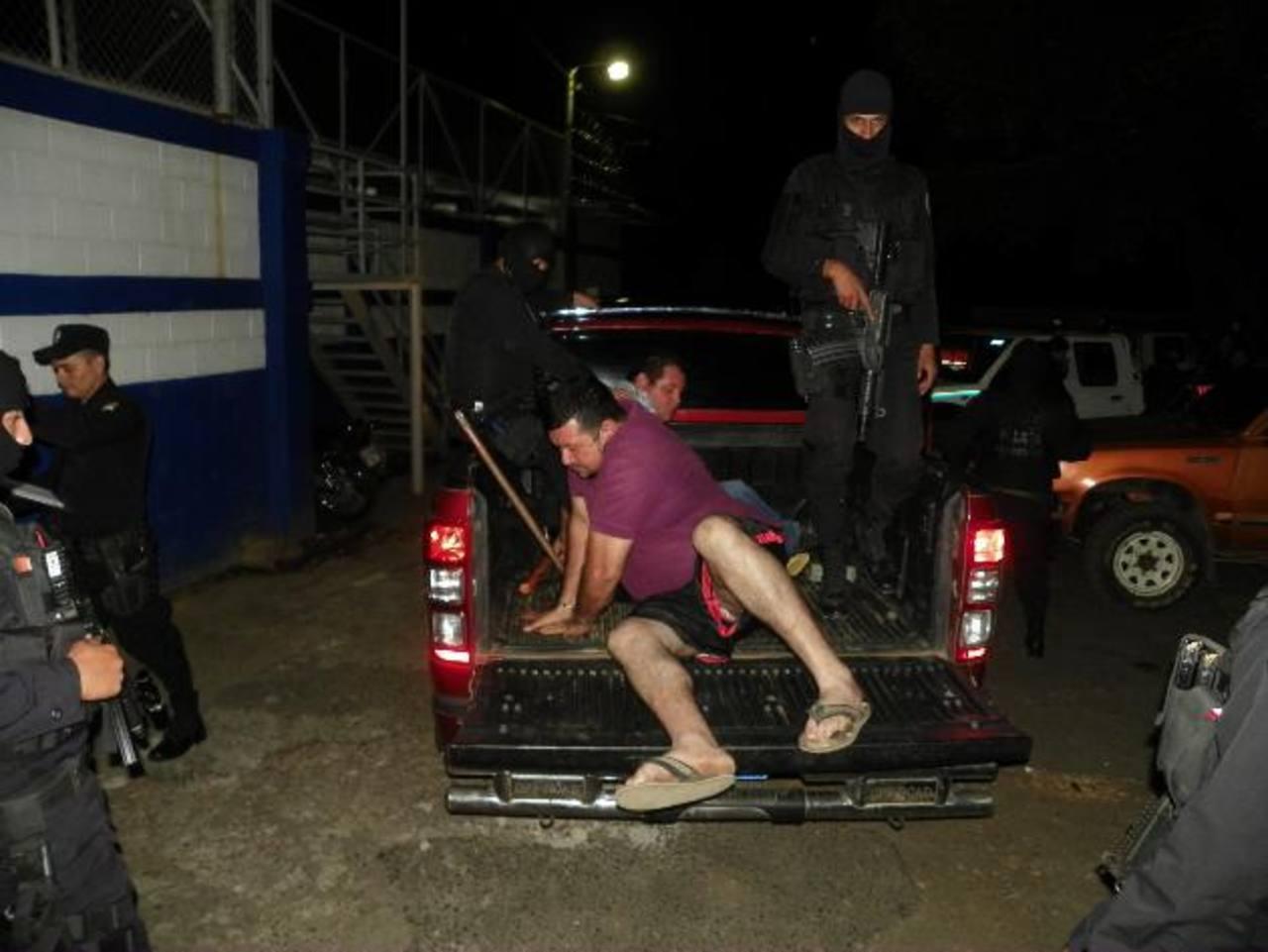 """Capturan banda de roba furgones encabezada por hermanos """"Vides"""""""