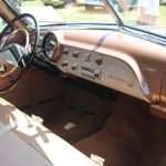 Los participante podrán escuchar historias de otras personas al interior de un automóvil Ford Crestliner de la década del 50.
