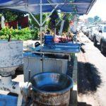 Los comerciantes se han desvelado para lograr un espacio en la vía. Foto EDH / jenny ventura.
