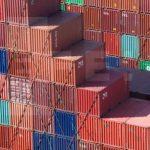 La balanza comercial mexicana registró en 2013 un déficit de 1.184 millones de dólares comparado con el superávit de 18 millones de dólares reportado en 2012.