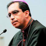 Iglesia espera que Reyes aclare compra de tierras