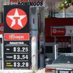 Los precios podrían bajar de los tres dólares para finales de diciembre y hasta los $2.50 para 2015. foto edh / huber rosales