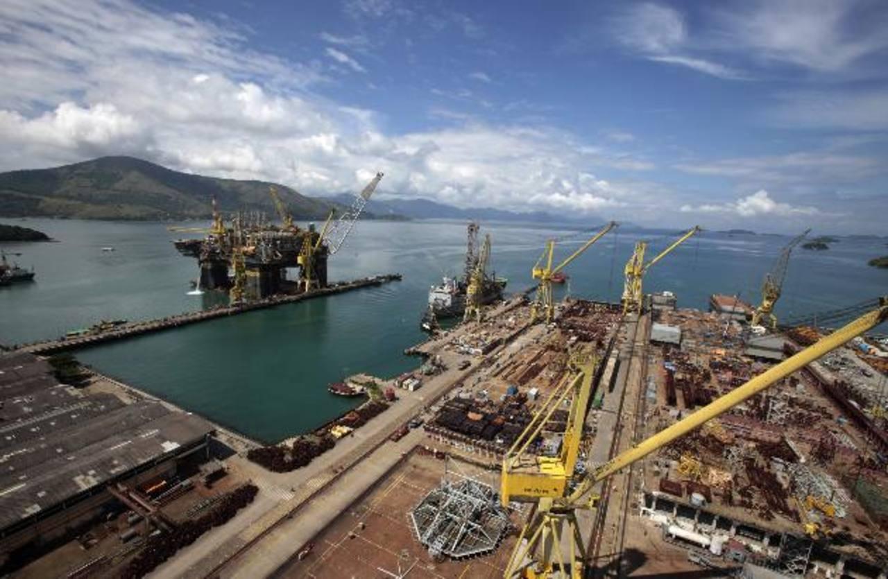 Un aviso de default exigirá que Petrobras entregue su declaración financiera para principios de marzo o enfrente pedidos de pago anticipado de su deuda. foto edh / archivo