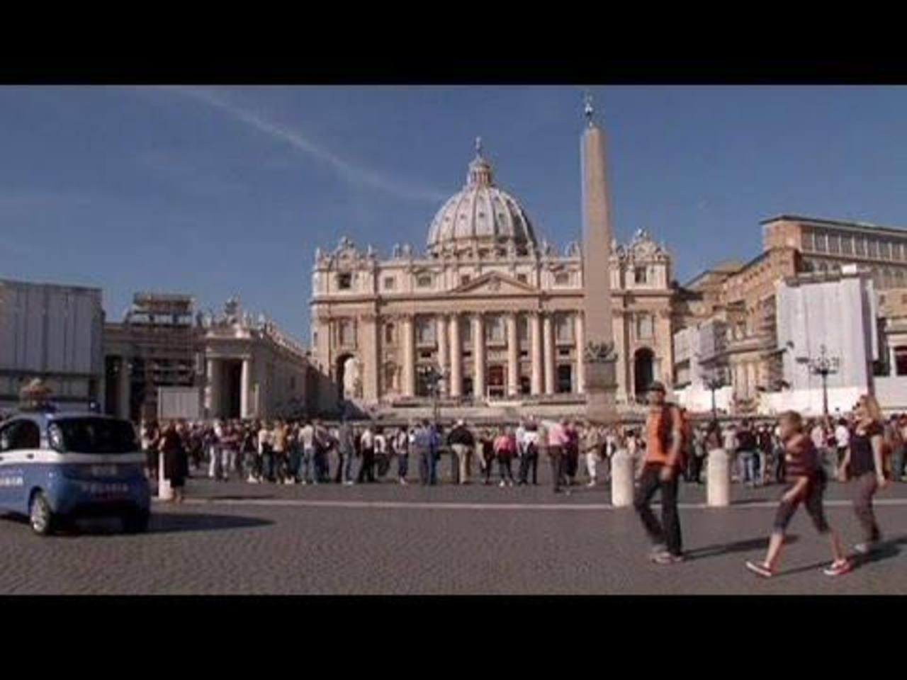 Fiscal congela cuentas de exjefes Banco Vaticano