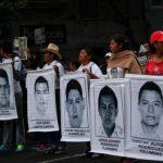 Tres meses sin noticias de estudiantes en México