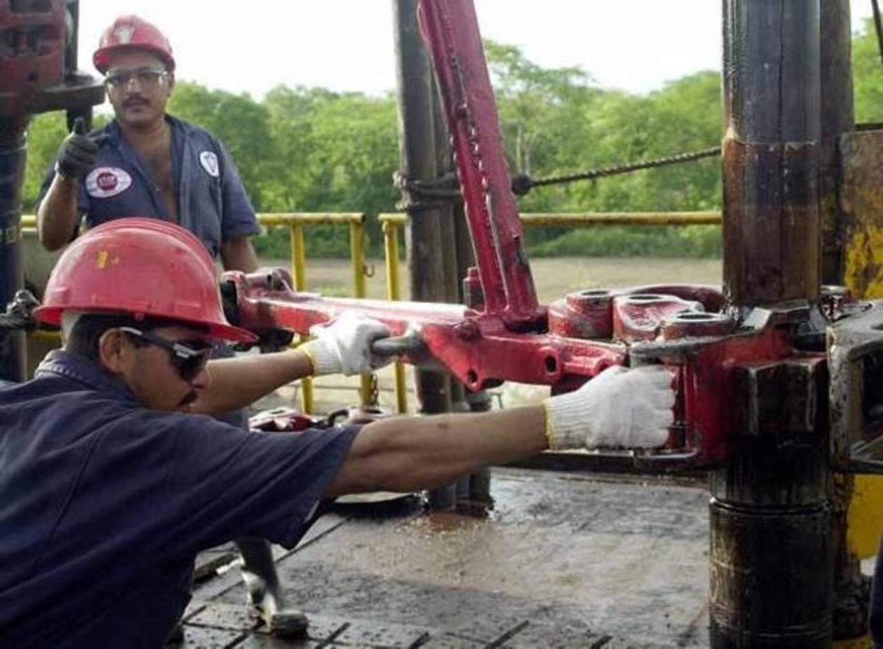El 90% de las divisas que recibe Venezuela proviene de la extracción de petróleo. Foto EDH