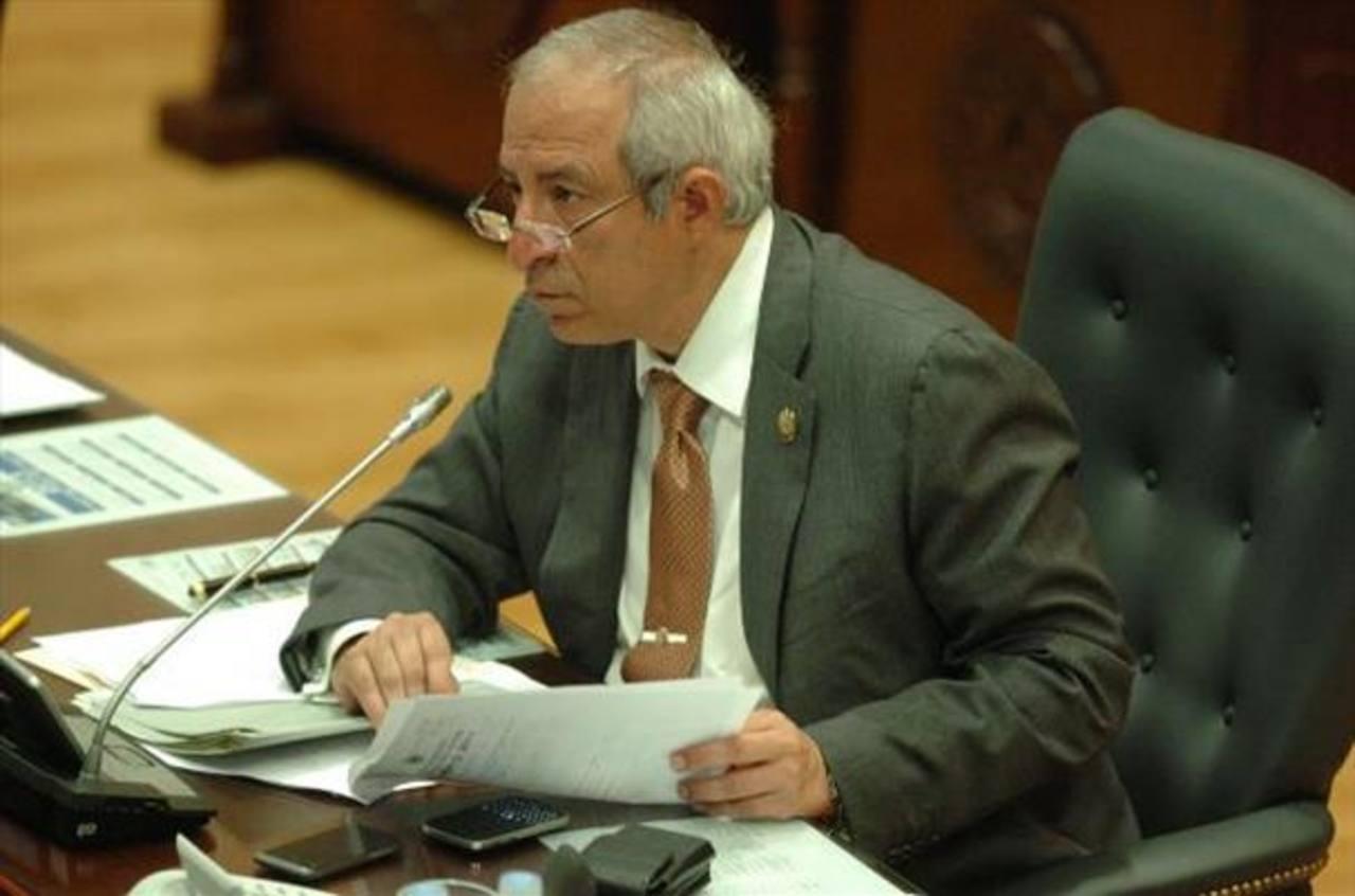 FMLN cierra filas por Reyes en caso IPSFA