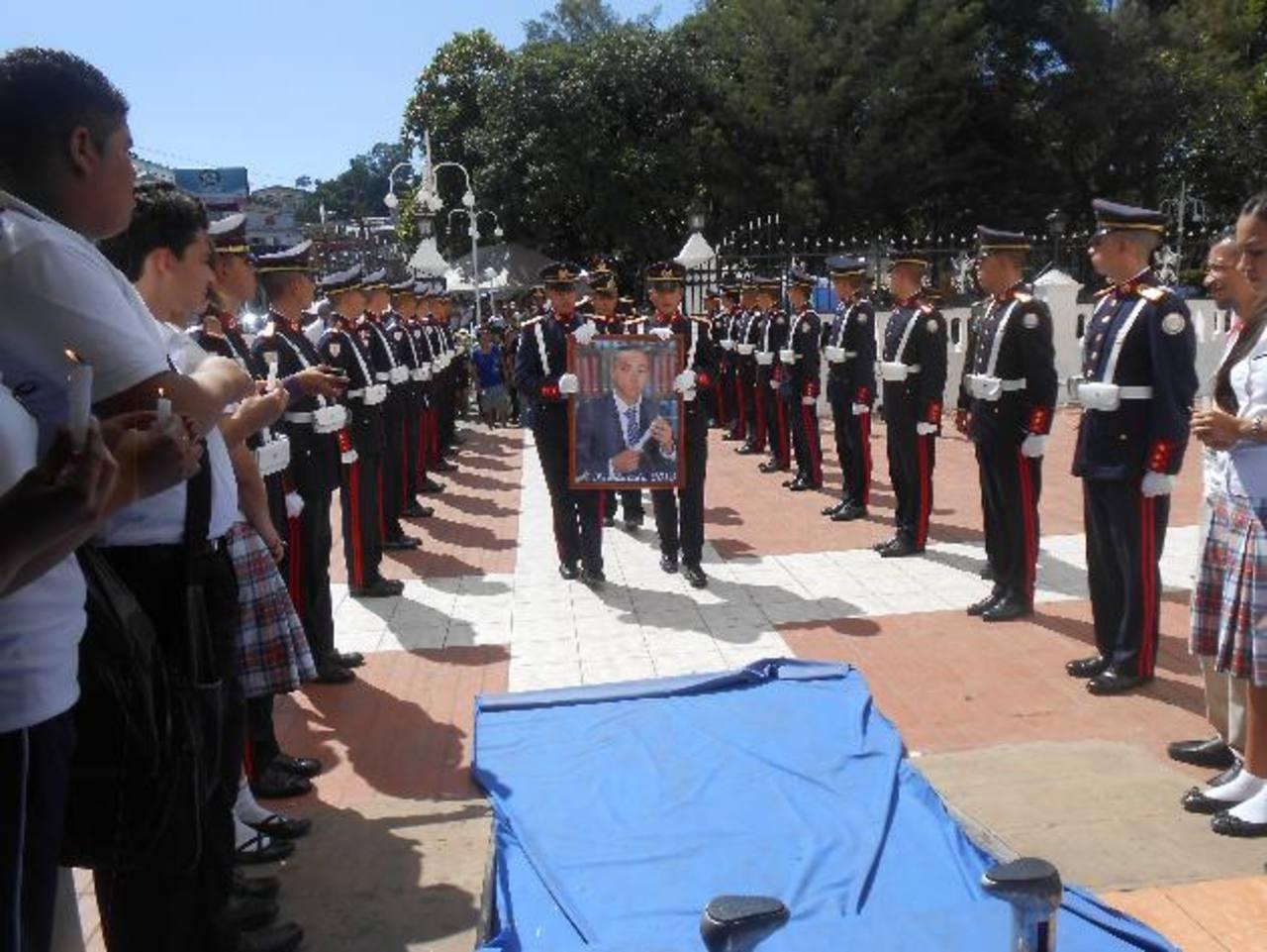 Por la muerte del caballero cadete, Juan Carlos Zelaya Díaz, tres alumnos fueron expulsados foto EDH / cortesía.