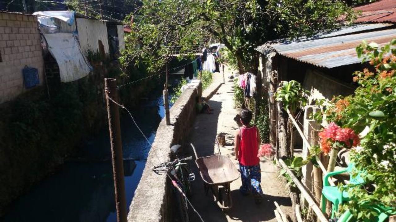 """La comunidad Rivas Zamora vive actualmente en un área declarada de """"alto riesgo"""". Foto EDH / archivo"""