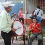 En la feria artesanal habrá también grupos de música folclórica que será el telón de fondo del evento. Foto EDH / Cortesía.
