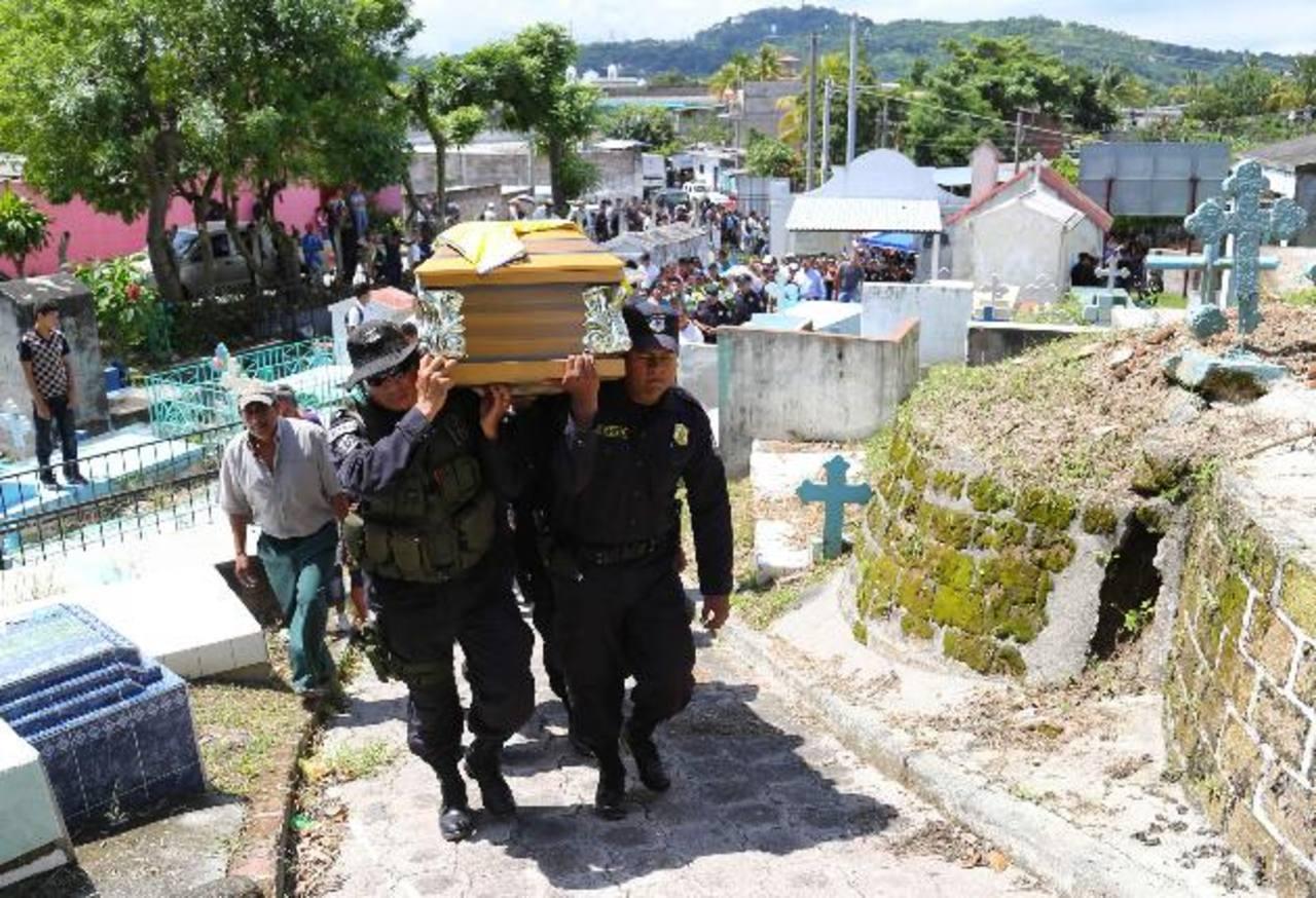 Director PNC aseguró que homicidios de policías es en represalia por el trabajo que hacen contra las maras. Foto EDH / Óscar Iraheta