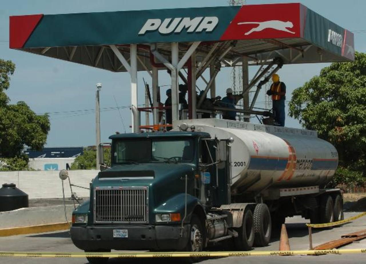 En El Salvador, Puma Energy adquirió las estaciones de servicio de Esso.
