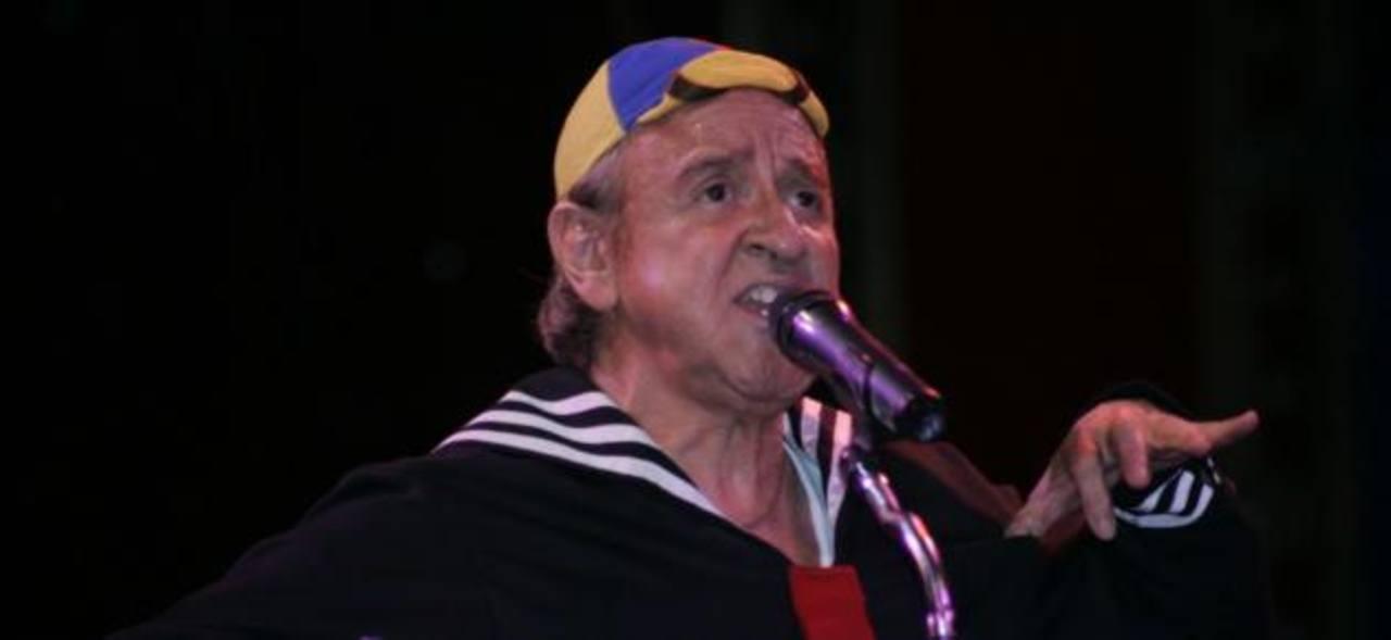 """VIDEO: """"Kiko"""" hace homenaje a """"Chespirito"""""""