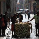 La deuda externa de Cuba, podría estar entre $25,000 y $30,000 millones. foto edh /Archivo