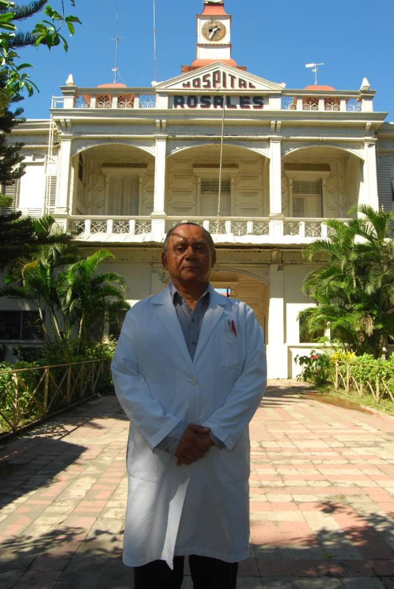 Alcides Gómez es jefe del Servicio de Cirugía Plástica del hospital y secretario general del Sindicato de Médicos.