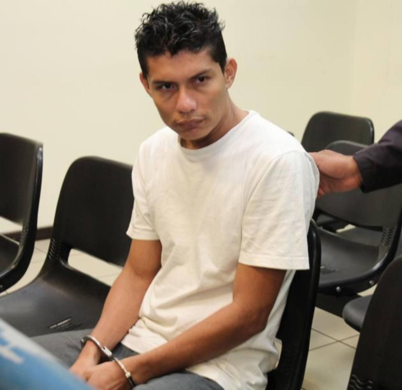 Mycol Antonio Cabrera Donado, de 28 años, fue sentenciado a 40 años de cárcel por matar a su pareja. Foto EDH / Cortesía Juzgados.