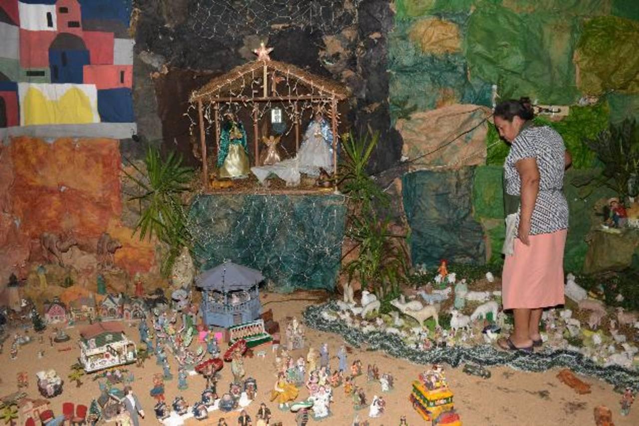 En el Nacimiento de doña Marta, las figuras de María, José y el Niño Dios se encuentran en lo alto, para enaltecer al Rey de Reyes.