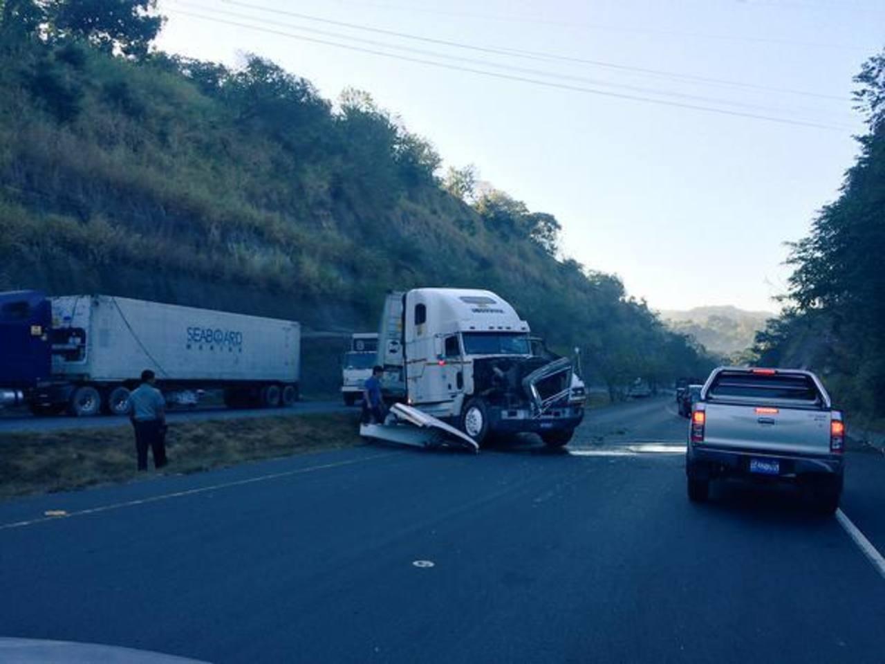Esta mañana se registró este accidente en el kilómetro 15 de la Carretera de Oro.