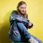 """El DJ David Guetta posa para un retrato durante la promoción de su sexto álbum de estudio """"Listen"""", en Nueva York."""