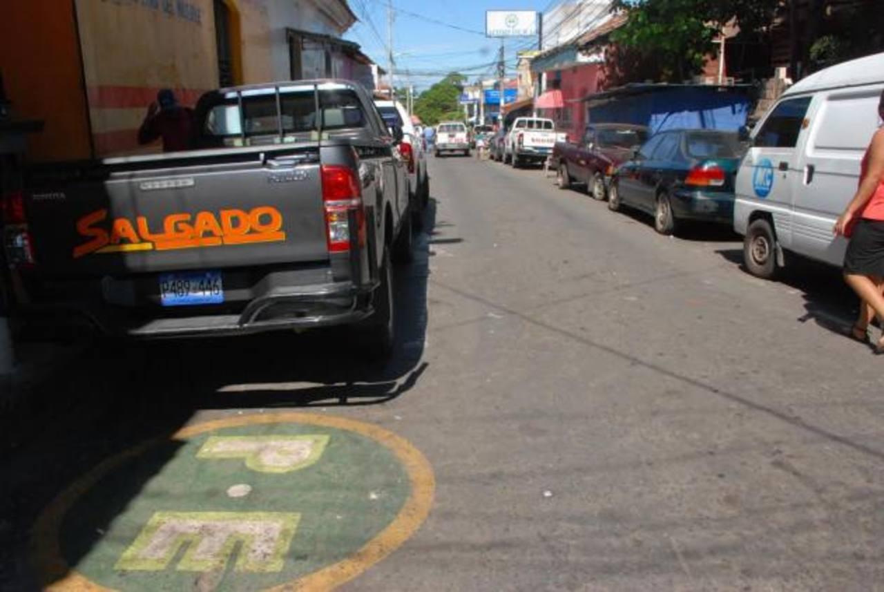 La mayor parte de calles de la zona céntrica de la cabecera, en teoría, son ejes preferenciales, pero no en la practica.