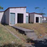 Algunas casas abandonadas son saqueadas