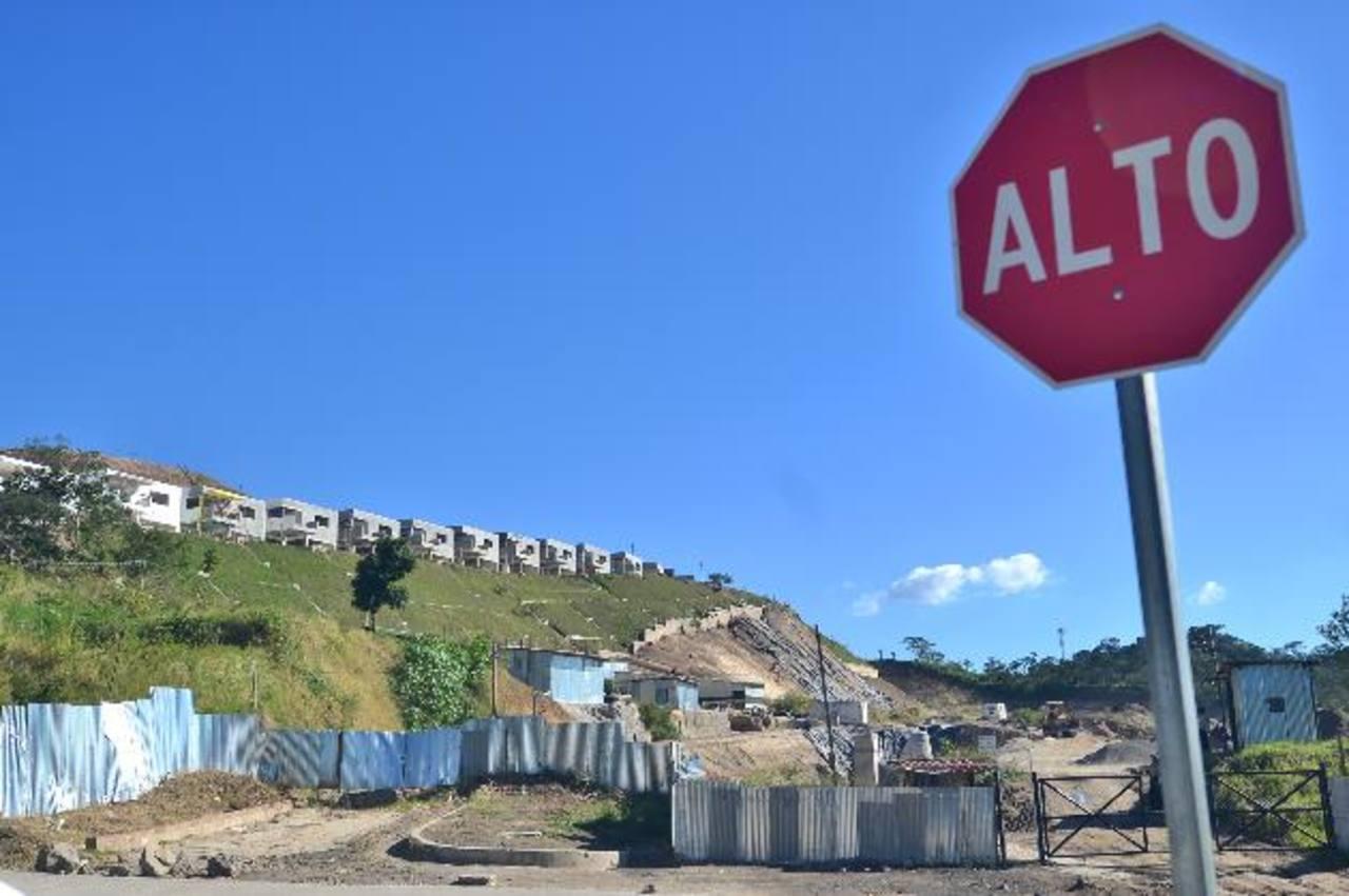 Este es el terreno que a bajo costo compró al IPSFA la empresa Terrein, S.A. de C.V. en el municipio de Nuevo Cuscatlán. Foto EDH / rené quintanilla