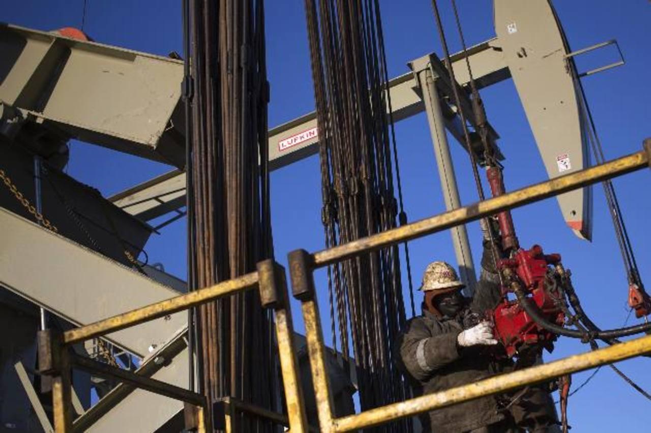 La cotización del crudo intermedio de referencia de Texas cayó a su menor nivel desde 2009. foto edh / archivo