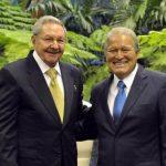 Presidente Sánchez Cerén junto a Raúl Castro en la XIII Cumbre del ALBA-TCP