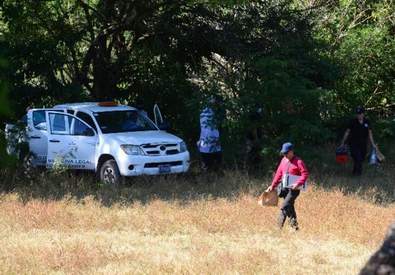 Sector donde ayer hallaron muertas a dos mujeres en el cantón Las Delicias, municipio de El Paisnal. Foto EDH / Mauricio Cáceres.