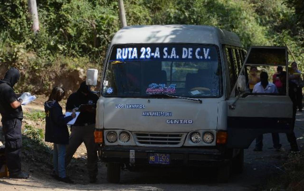 Al menos 60 personas asesinadas y 80 heridos deja la violencia en el transporte de pasajeros. Foto EDH / Archivo.