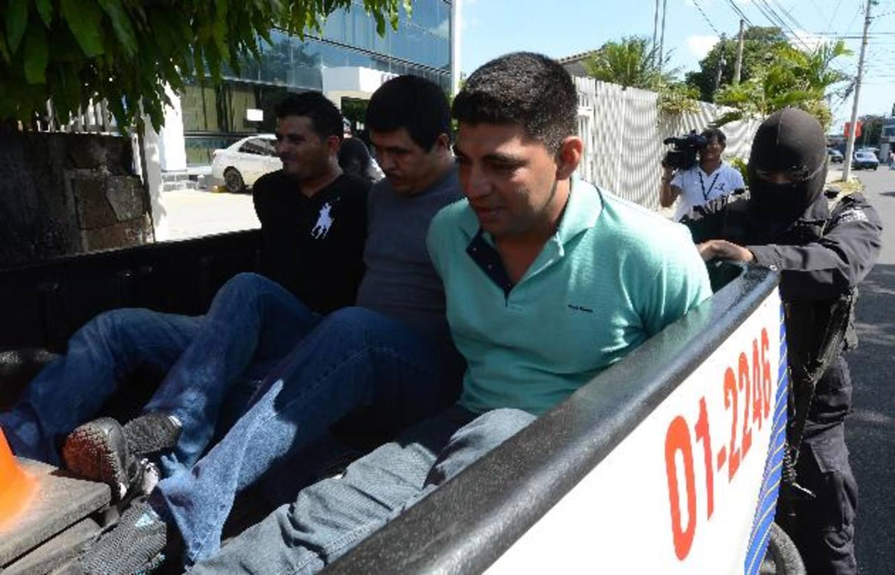 El oficial y los tres agentes fueron detenidos en enero, días después del secuestro.