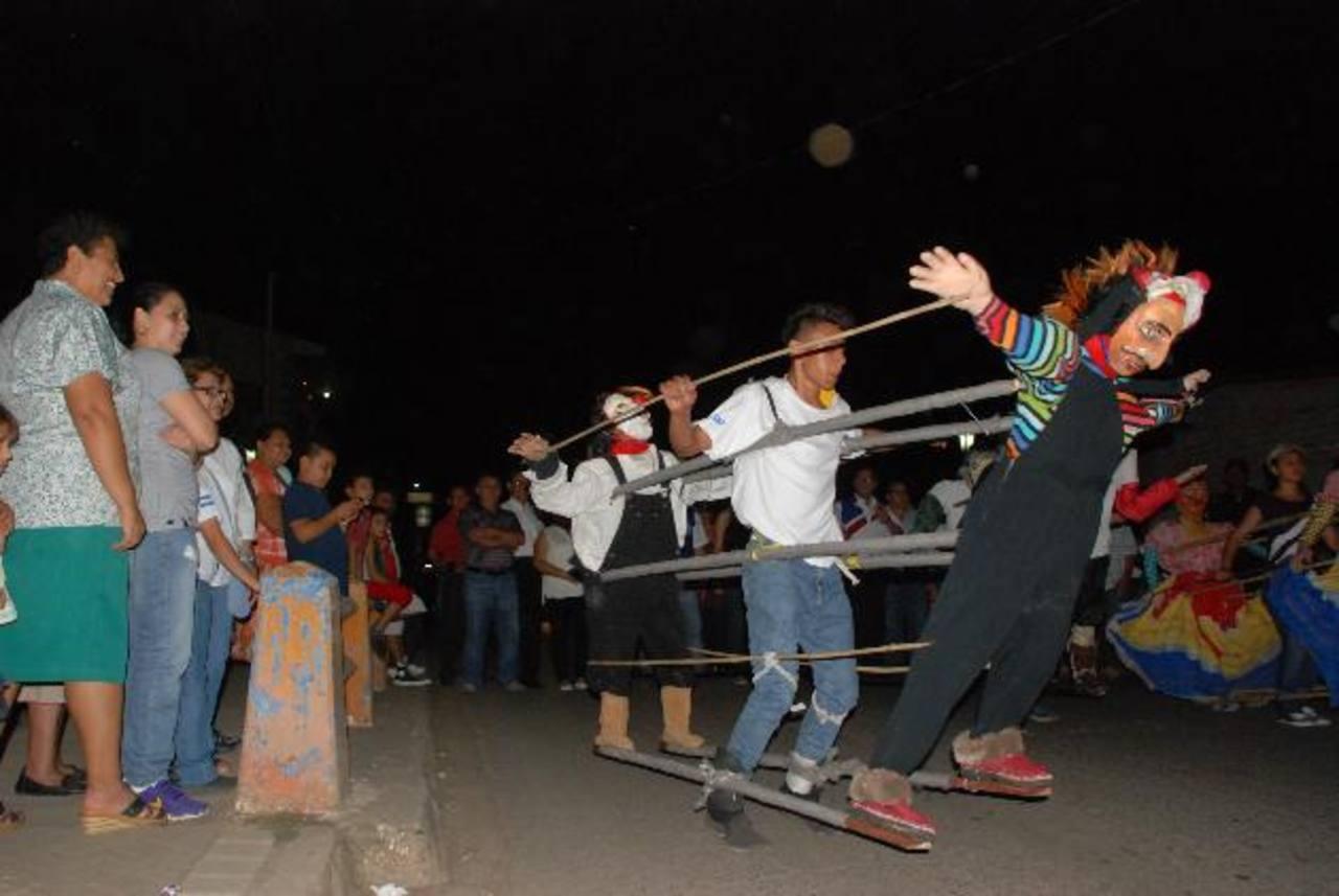 Los pobladores del municipio salieron y se divirtieron con la presentación de una gran actividad de actos artísticos. Foto EDH / Insy MendozaLos unionenses se divirtieron a lo grande en la culminación de sus fiestas patronales. Foto EDH / Insy Mendoz