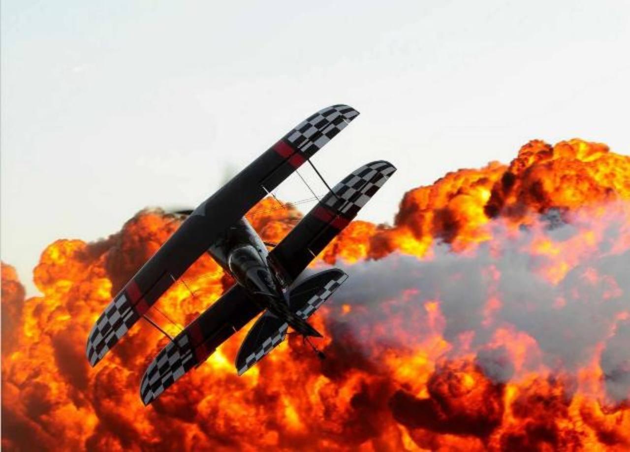 """El """"Ilopango Airshow 2015"""" incluye un puño de acrobacias aéreas y terrestres que prometen sacar suspiros y alegría. Foto EDH / Archivo"""