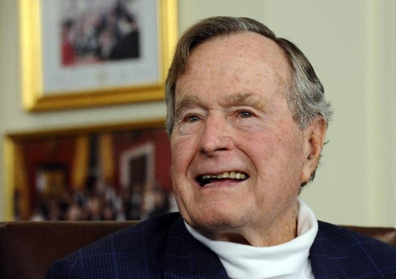 Expresidente Bush padre es dado de alta del hospital