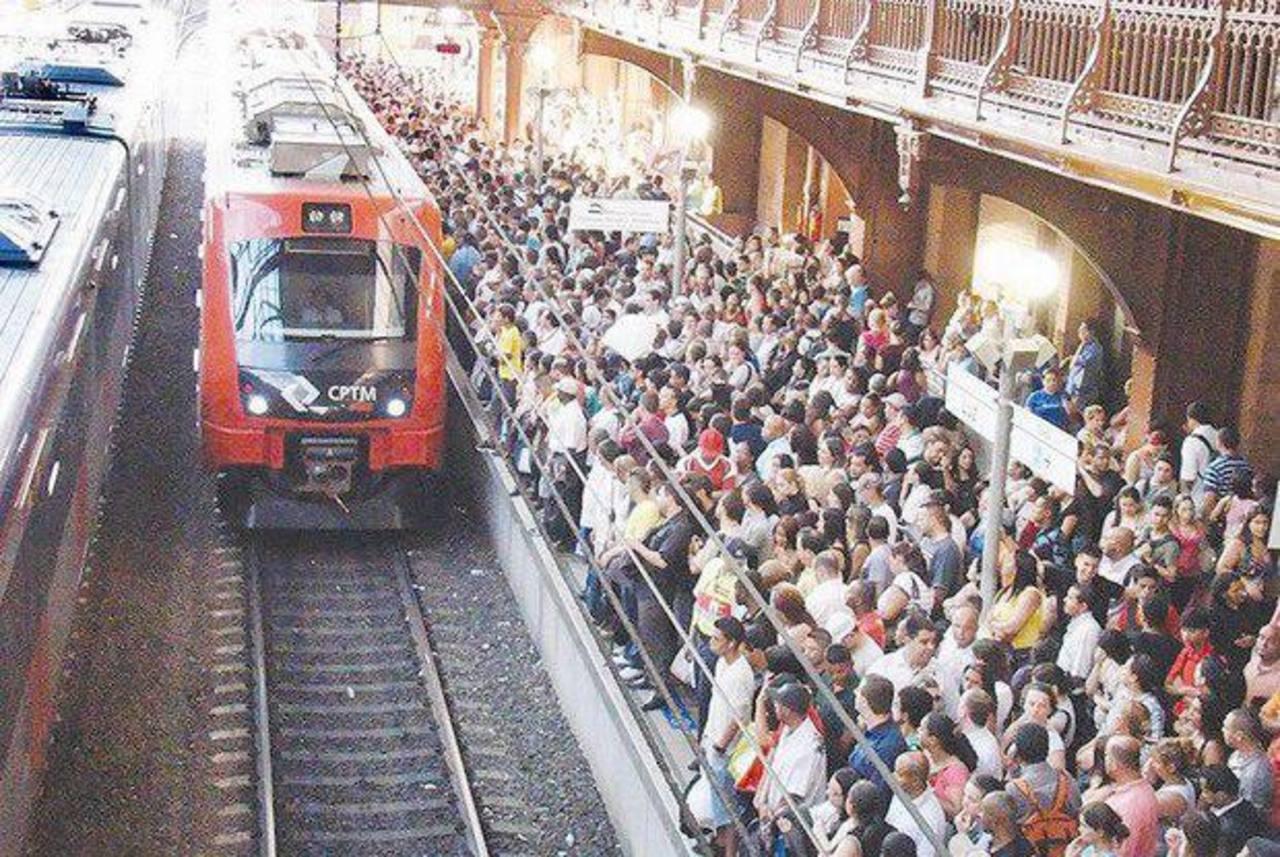 Imagen del sistema de trenes que funcionó de 1990 a 2008. foto edh / internet.