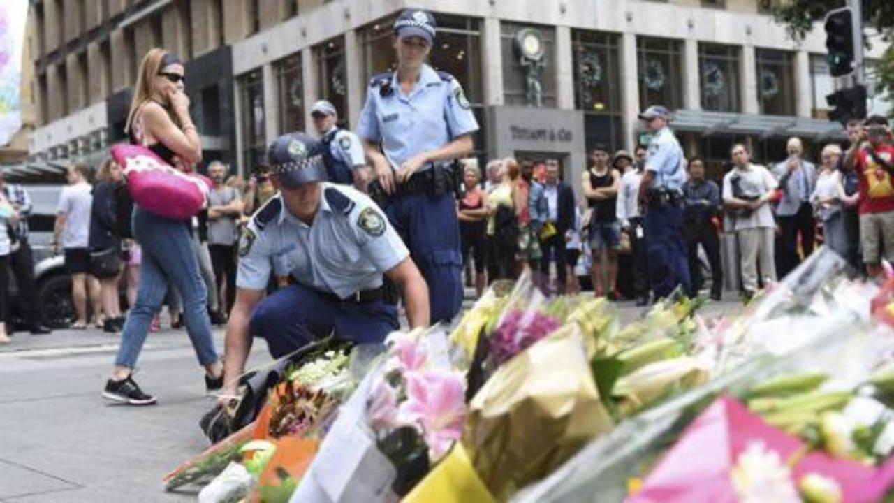 Las dos víctimas fueron despedidas como héroes. edh/EFE