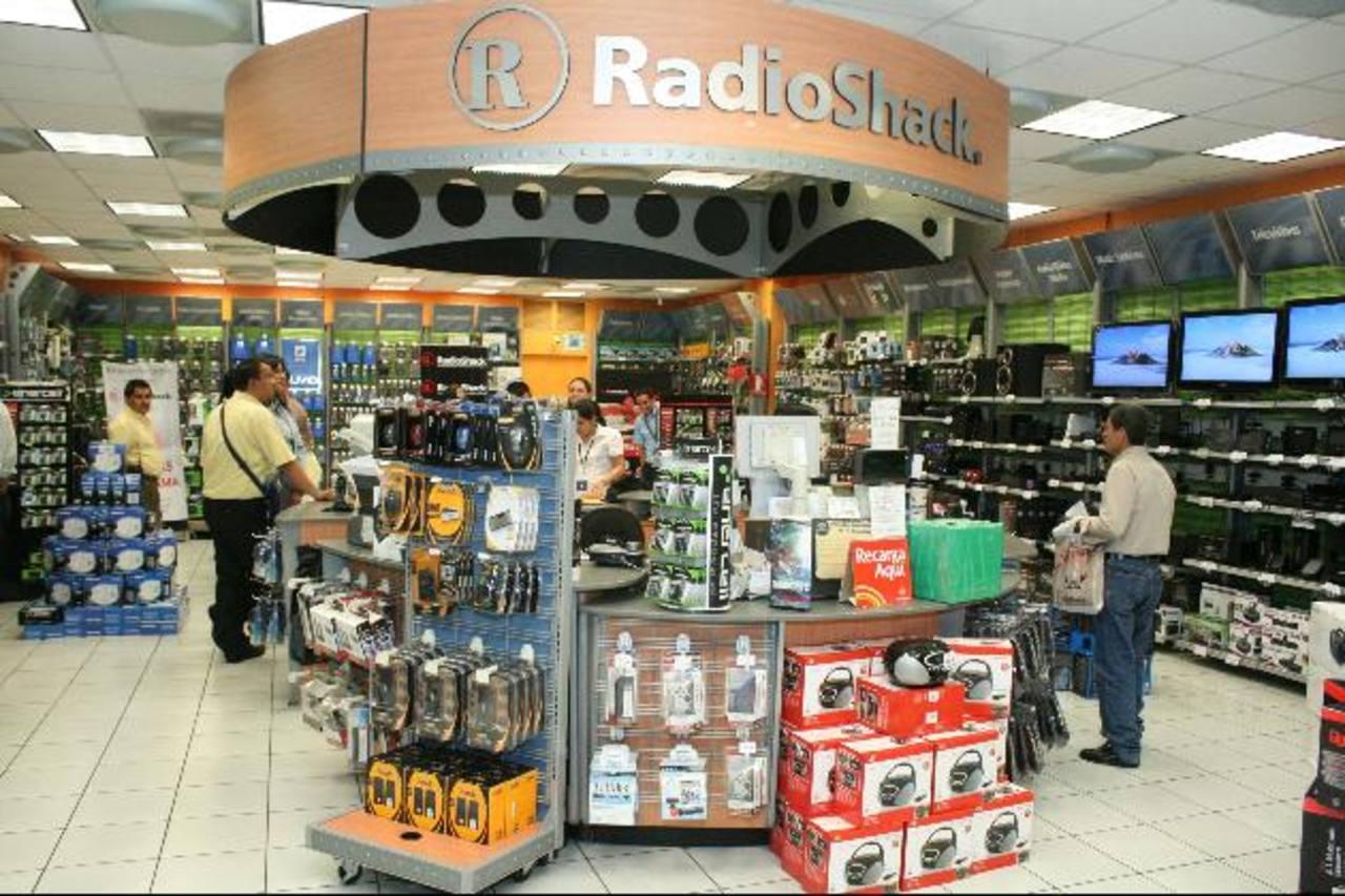 Juguetes y accesorios tecnológicos fueron los más buscados. Foto EDH/ Cortesía