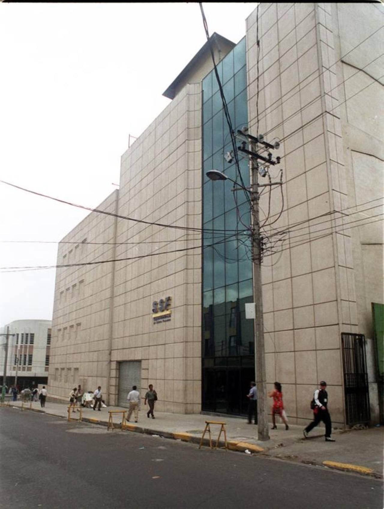 La Superintendencia del Sistema Financiero aprobó que Multivalores pueda iniciar operaciones de captación de depósitos del público en cuenta corriente a partir del 22 de diciembre.