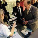 El diputado de ARENA, Mario Valiente, se presentó a la oficina de Transparencia del MOP.