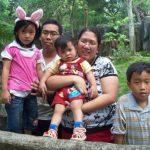 Familia que viajaría en vuelo desaparecido de Air Asia canceló boletos horas antes