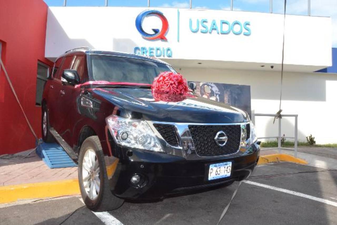 CrediQ facilita a los clientes la compra de vehículos usados de su autolote. Foto EDH/