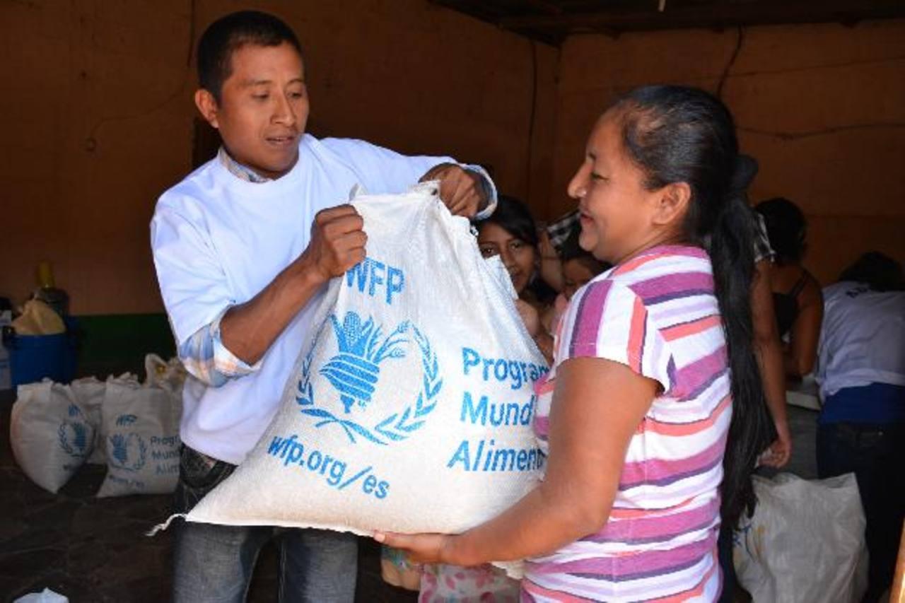 Los donantes buscan que la desnutrición desaparezca en los cantones y caseríos de Ahuachapán. Foto edh / CRISTIAN DÍAZ