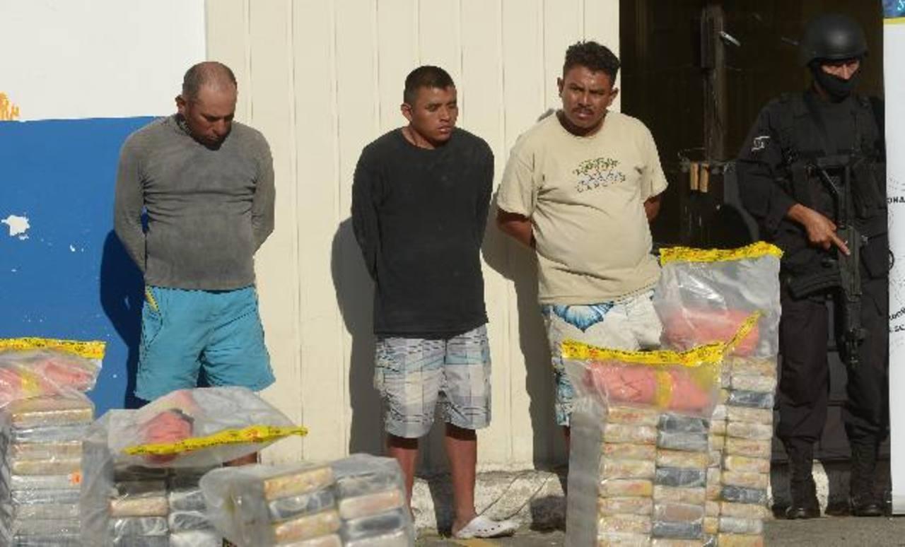 Este es el segundo mayor decomiso de cocaína que han hecho las autoridades antinarcóticas este año. Foto EDH / marvin Recinos.