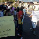 Vendedores protestan contra el Sitramss